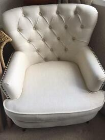 Cream studded/pin tucked arm chair