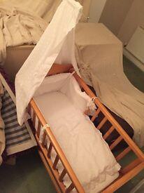 Mamas and papas gliding cot