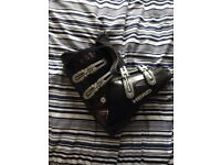 Ski boots size 9.5 to 10.5