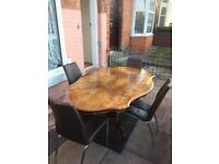Lovely Italian dining table with 4 lovely chairs