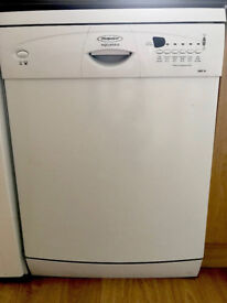 Hotpoint Aquarious Dishwasher - Excellent Condition