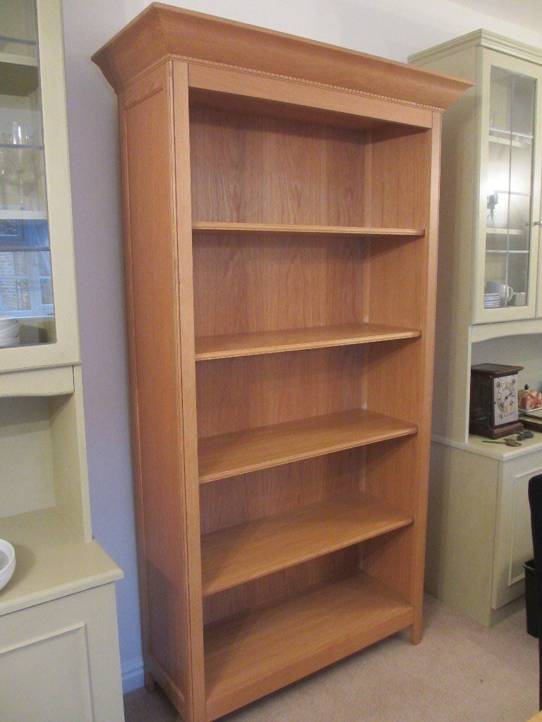 BEAUTIFUL MARKS AND SPENCER/M&S SOLID WOOD LIGHT OAK BOOKCASE EXCELLENTCONDITION