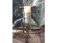 Pneumatic air breaker jack hammer