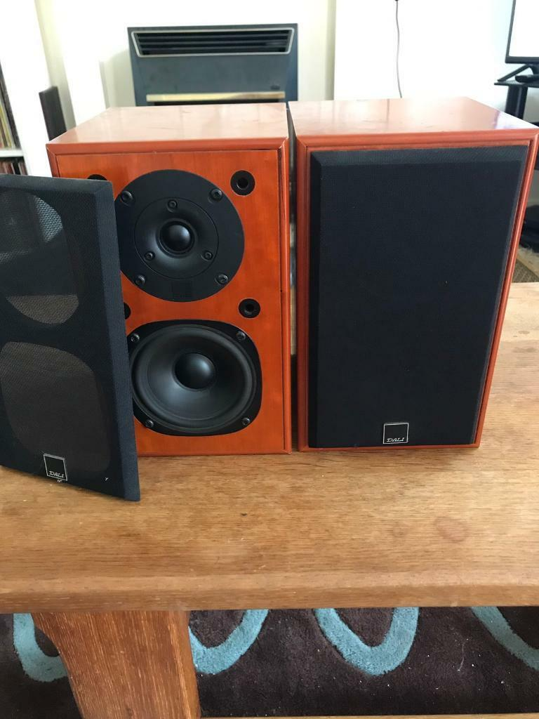 Dali Royal Menuet 2 pair speakersin Pulborough, West SussexGumtree - Dali Royal Menuet 2 pair speakersLook up Dali speakers for the tech & spec. These are the top of the range, cheaper versions of Dali are not as good!Collection onlyLovely speakers £140