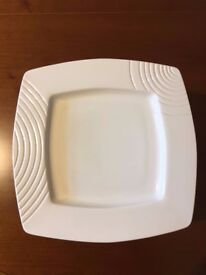 13 Belleek Living Solace Salad Bowls. Never Used. With Packaging.
