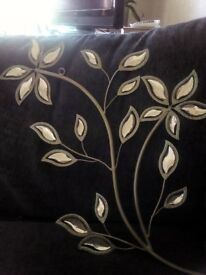 metal diamante sparkly wall decoration with gold diamonds on flowers