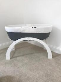Shnuggle Dreami Clever Baby Sleeper with Stand & Moses Basket Waffle Attachment - Brand New