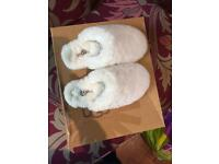 Ugg slippers size 1 or 2 new never worn