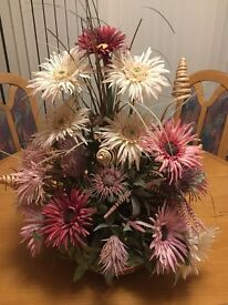 PINK FLOWER ARRANGEMENT WITH COPPER EFFECT BASE