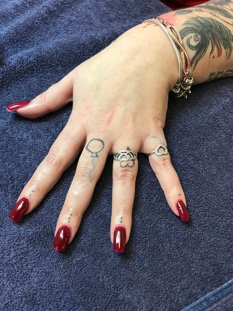Free acrylic nails | in Elgin, Moray | Gumtree
