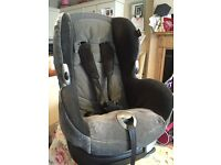 Maxi Cosi Child Car Seat - 12months to 4 years