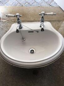 Heritage sinks x2 £10each