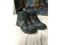Waterproof gelert walking boots size 11 young girls good condition warn only a few times