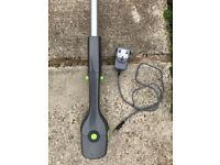 Gtech HT20 31.5cm Cordless Pole Hedge Trimmer - 18V