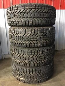 Set of 225/50R17 winter tires
