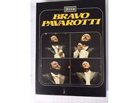 Pavarotti Singing a selection of Operas