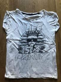 WOMENS GRAPHIC T-SHIRT SIZE SMALL