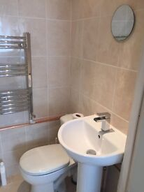 An Ensuite double bedroom in a professional house share