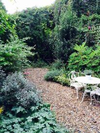 Double room to let in beautiful 2 bedroom garden flat