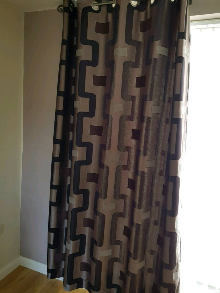 2 sets of curtains and 6 matching cushions