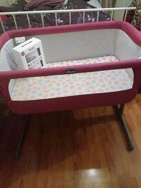 Chicco Next 2 Me Side-Sleeping Crib - Fuchsia (Pink)