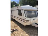 1995 luner premier 5 berth has damp