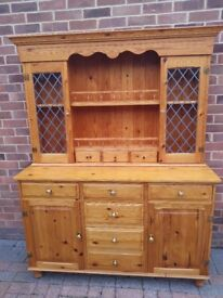 Lovely Pine French Dresser in Very Good Condition