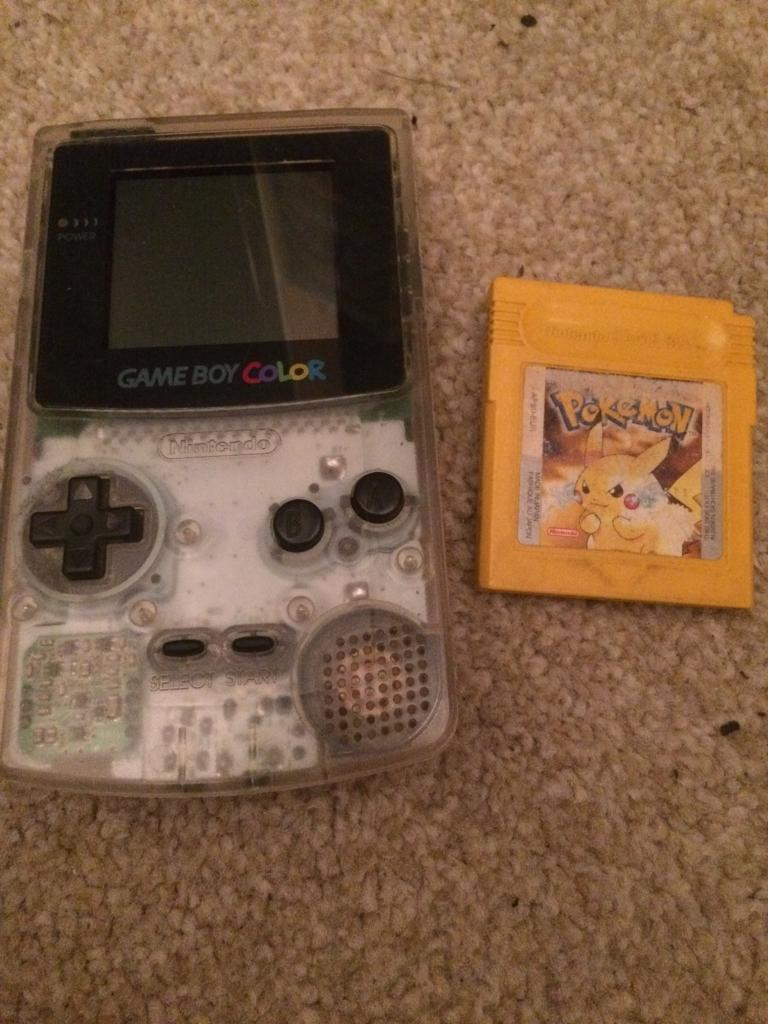 Gameboy color and pokemon yellow - Nintendo Gameboy Color And Pokemon Yellow