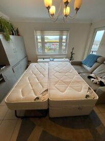 Snuggle Bed by Damask