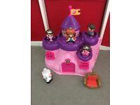 Play castle & figures