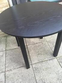 Round hygena dining table