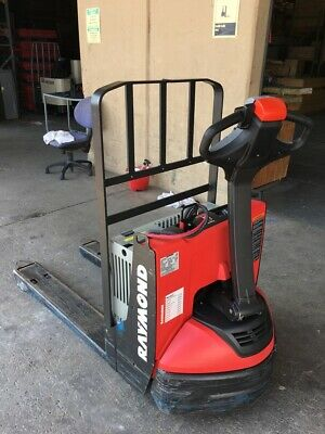 2018 Raymond Electric Pallet Jack - Model 8210 102t-f45l - Under 500 Hours