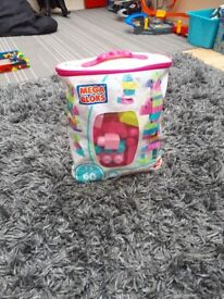 Kids girls mega blocks £2