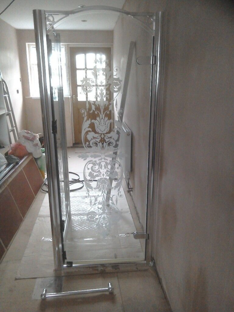 Shower Enclosure And Tray Pivot Door And Side Panel 900 X 800mm