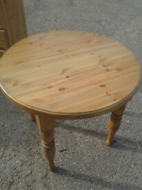 UNUSED 90cm round pine table 5cm thick top , pine showroom clearance