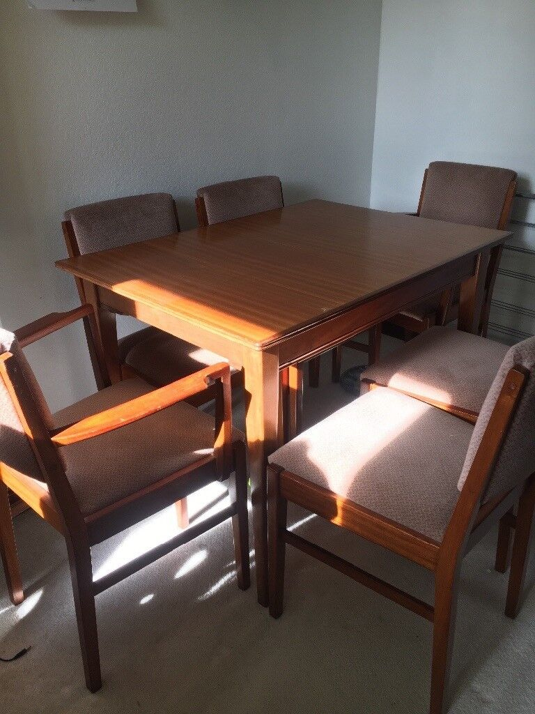 Russel Of Broadway Dining Table And 6 Chairs