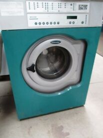 ELECTROLUX W3105H 10KG COMMERCIAL WASHING MACHINE. USED