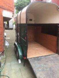 Rice Vintage (camping , horse or other purpose) trailer (EXCELLENT refurbish condition) front door