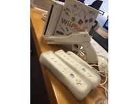 Nintendo wii 2 controls 1 game gun