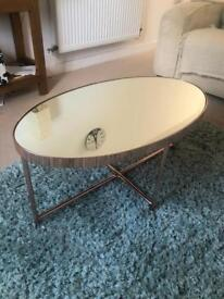 Mirrored coffe table
