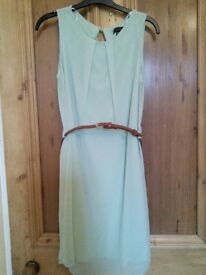 Mint green with brown belt - Size 8