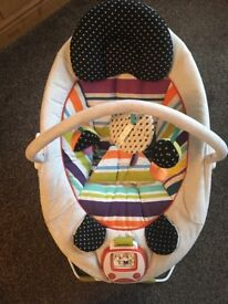 Mamas & Papas Apollo bouncer, excellent condition. Batteries Inc. Delivery to S35 and S6 for free