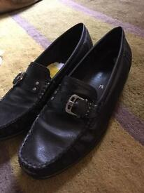 Loafer shoes