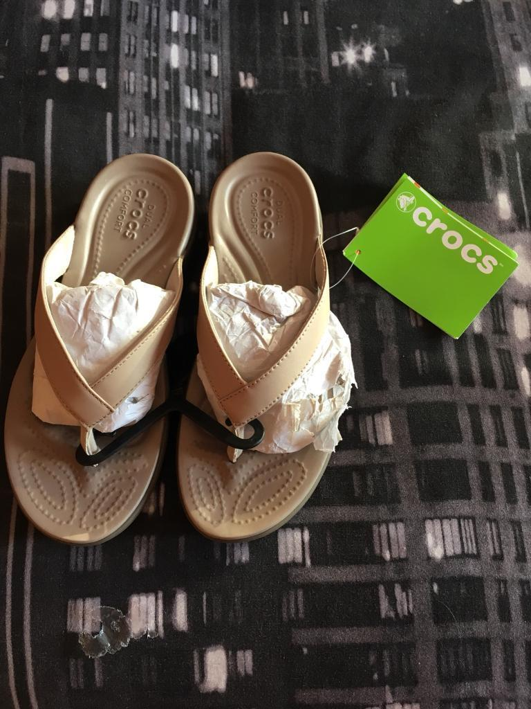 077a0366cd9 Brand New Capri V Crocs Size 3