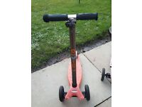 Childs scooter cost £103 accept £20
