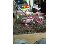 Girl bike is in excellent condition like new