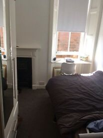 Bedroom to rent in modern spacious flat in Mayfield road, short term lease