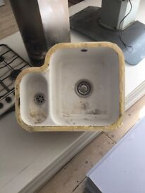 Free white sink one and a half bowl
