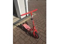 LIGHTENING MCQUEEN SCOOTER - WORKS FINE BUT HAS RUST ON IT/FADED - CLEARING OUT GARAGE