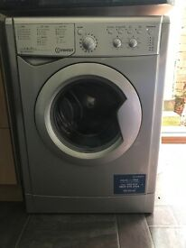Indesit washing machine silver great condition £90 Ono